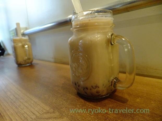 Azuki latte on the counter table, Turret Coffee (Tsukiji)