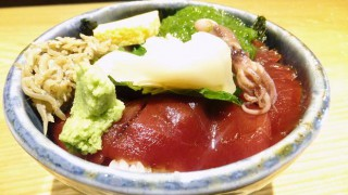 Tsukiji : Sashimi bowl at Hashiba (はしば)