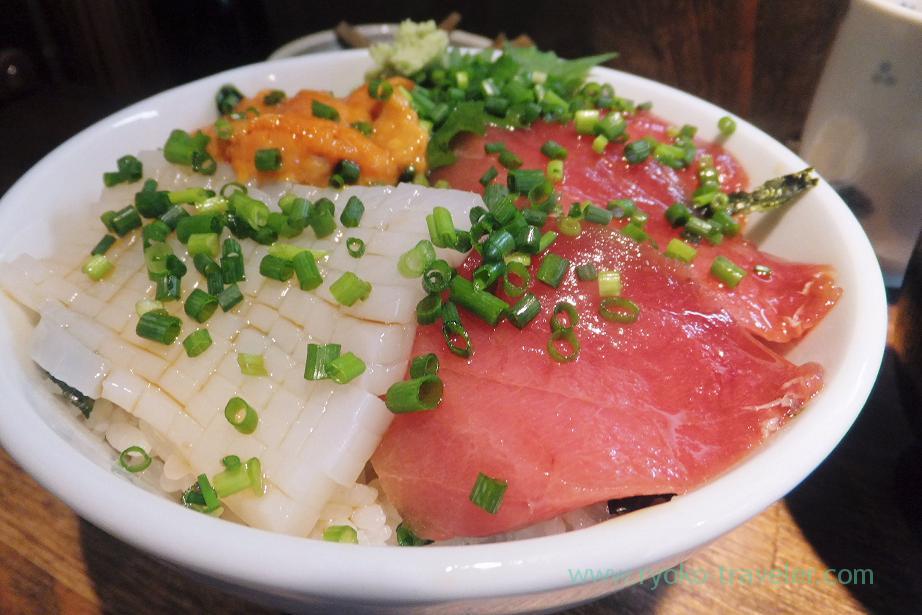 Pacific bluefin tuna and squid, Hajime Sengyo-ten (Tsukiji)
