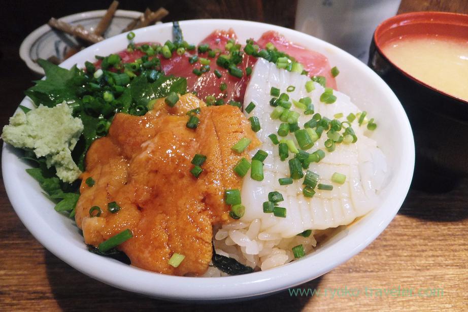 Squid and sea urchin, Hajime Sengyo-ten (Tsukiji)