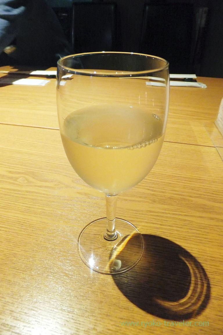 White wine, Dining bar Gracia (Asakusabashi)