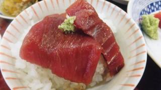 (Moved) Tsukiji Market : Tuna sashimi at Yonehana