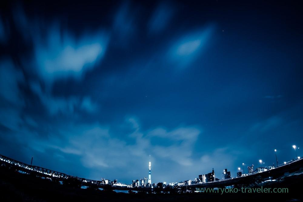 Tokyo Skytree in the dark from free site