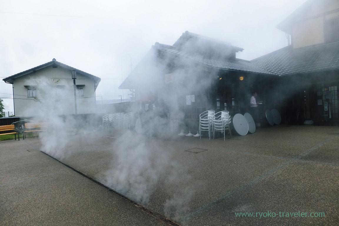 Steaming here, Kannawa Onsen (Oita 2015 Spring)