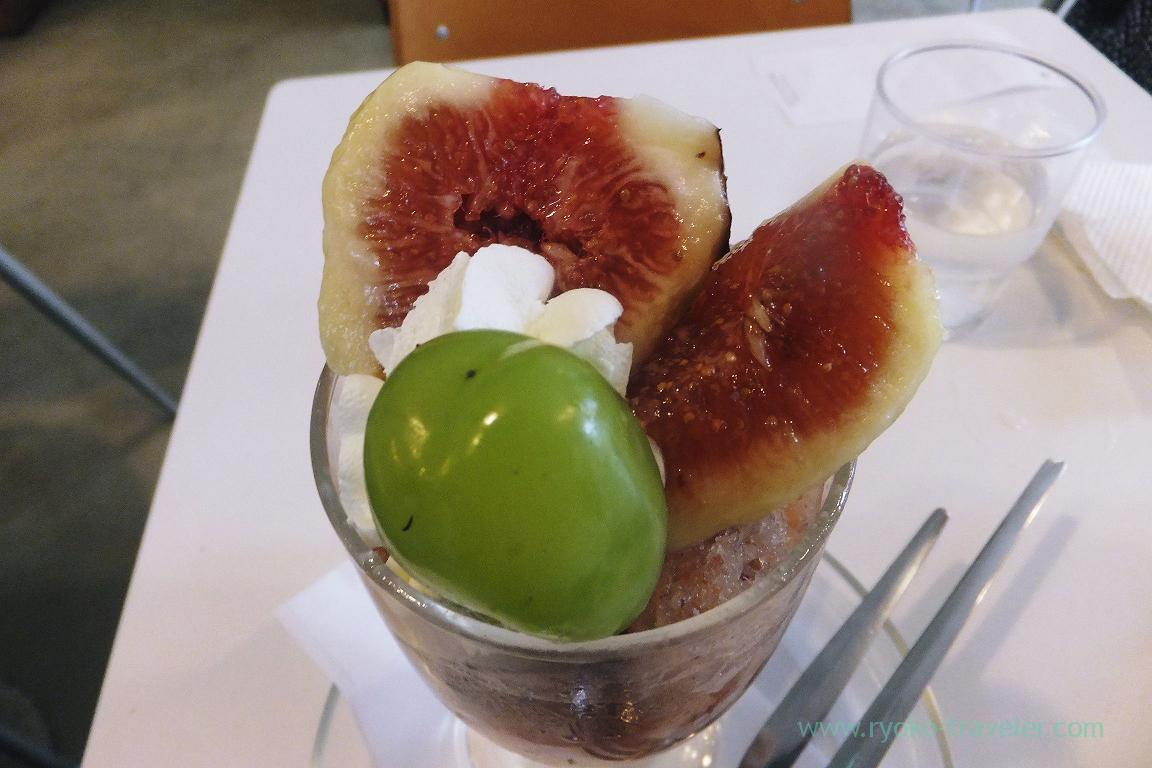 Fig parfait from the top, Fukunaga Fruits Parlor (Yotsuya Sanchome)