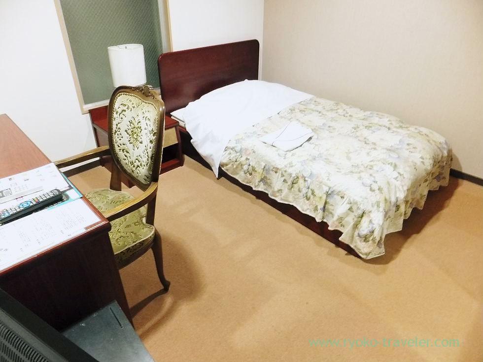 My room, Business Hotel Kawaramachi, Takamatsu (Kagawa & Tokushima 2011)