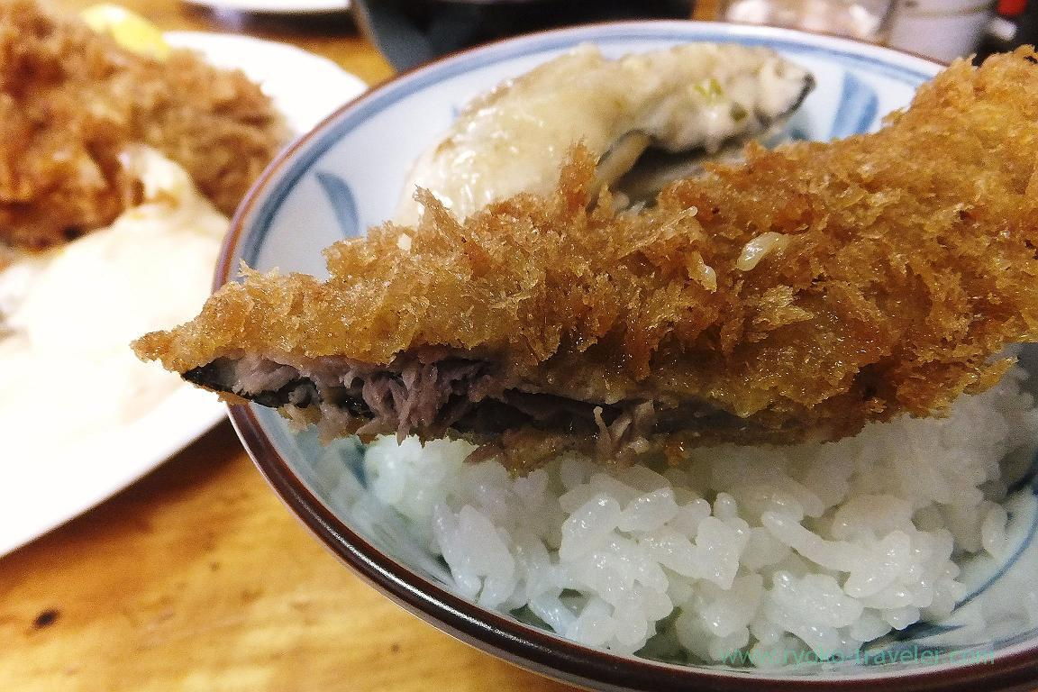 Deep fried saury and fried oyster with butter on the rice, Odayasu (Tsukiji Market)