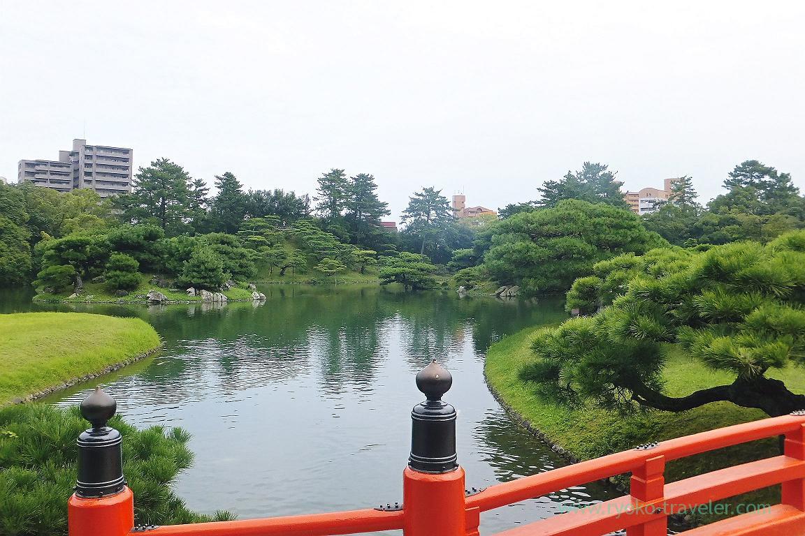 Seein hokko from the red bridge, Ritsurin garden, Udon tour managed by Kotosan bus,(Takamatsu 2015)