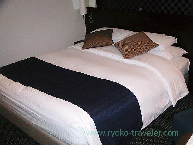 Bed from right, Dai-ichi Hotel Tokyo Seafort (Tennozu)