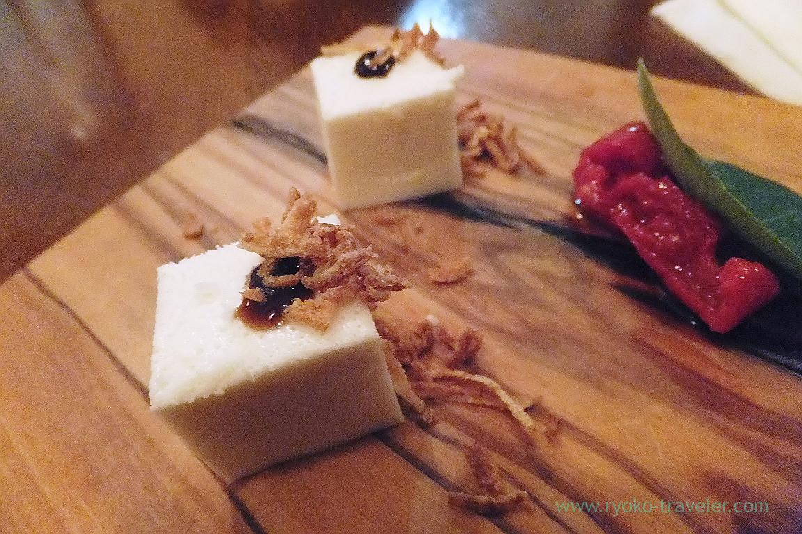 Onion's panna cotta with dried tomato and 14 years old balsamic vinegar, il tram (Kiyosumi Shirakawa)