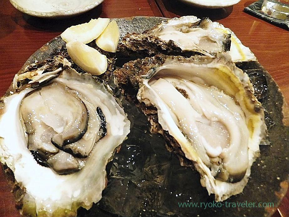 Raw oysters, Yamadaya (TSukiji)