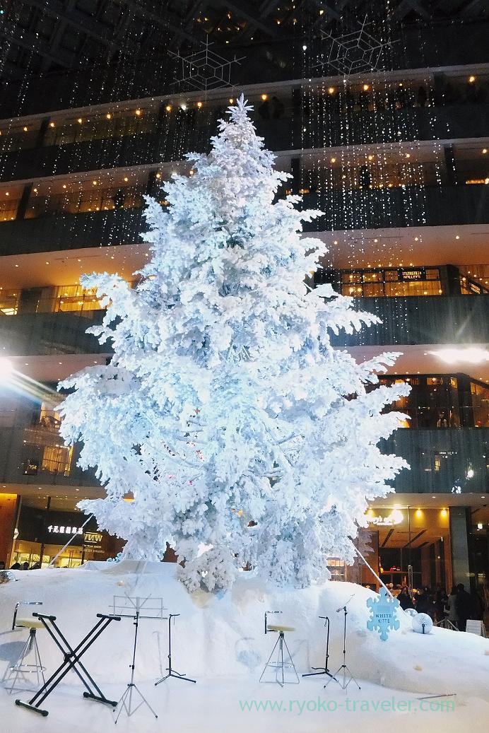 Christmas tree1, KITTE (Marunouchi)
