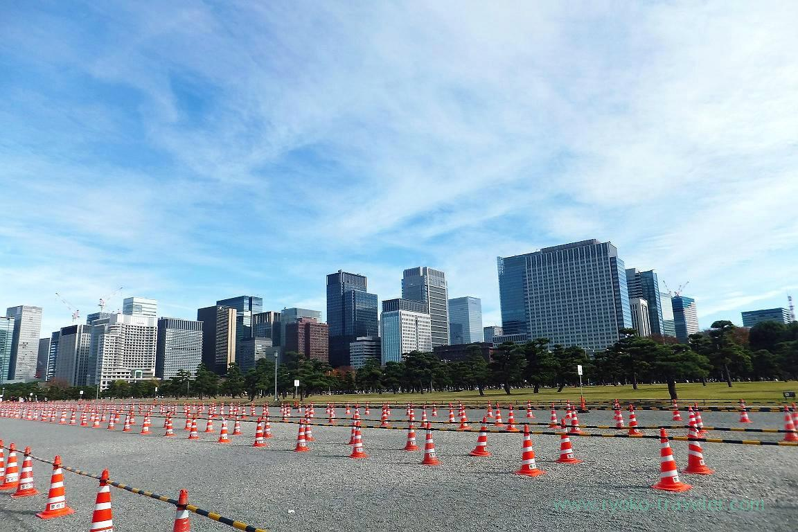 Waiting area and tall buildings, Kitanomaru Park (Kudanshita)