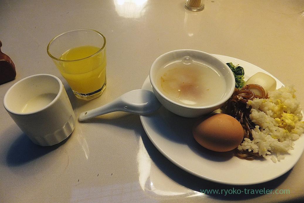 Breakfast, Shanghai airport hotel , shanghai(Zhang Jia Jie and Feng Huang of China 2015)