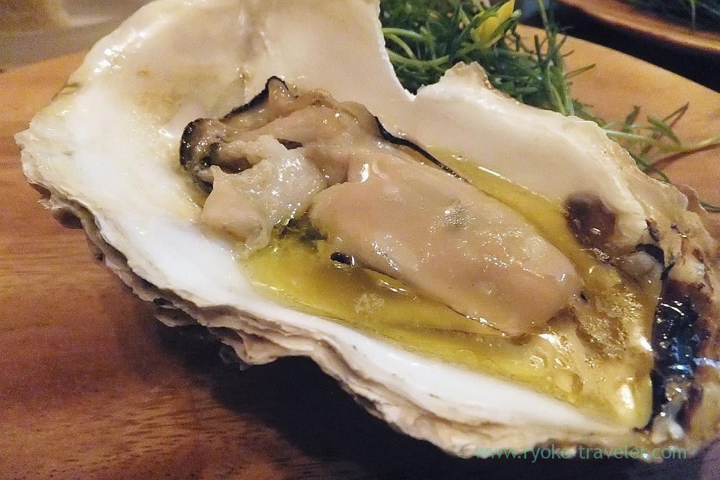 Warm oyster from Senposhi area with fermented butter and Colatura, il tram (Kiyosumi Shirakawa)