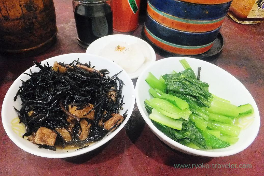 Hijiki seaweet, boiled vegetables and pickled daikon radish, Kachidoki bridge (Tsukiji Market)