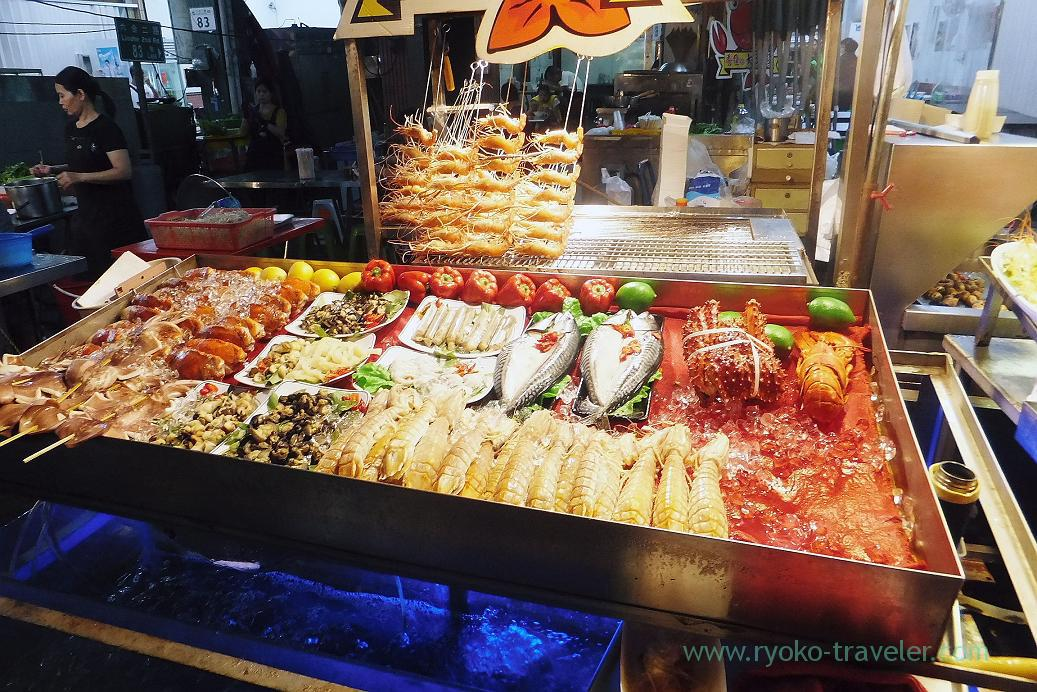 Lots of seafood1, Liuhe night market, Kaohsiung, Taiwan Kaohsiung 2015
