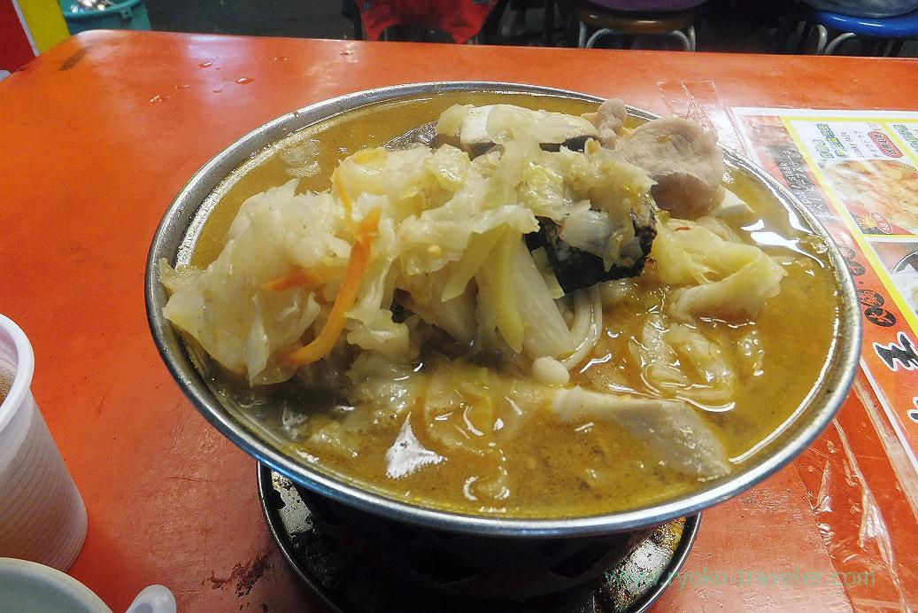 Seafood hotpot, Ruifeng night market, Kaohsiung Arena, Taiwan Kaohsiung 2015