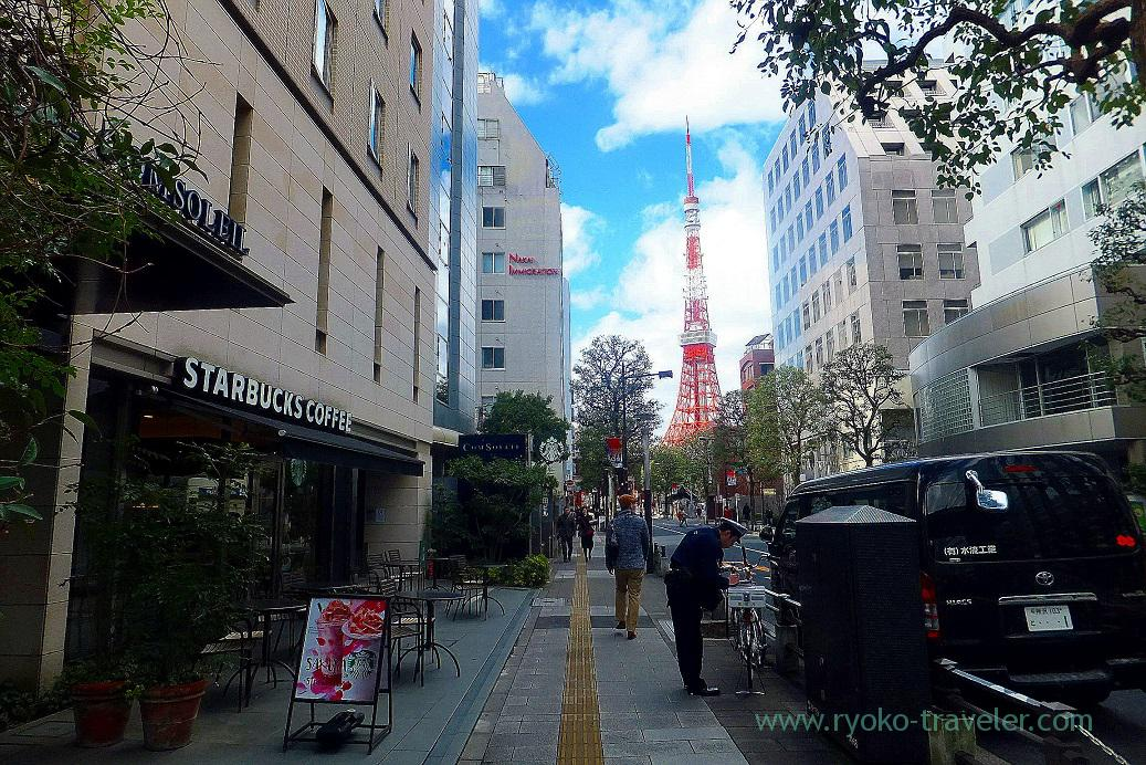 Tokyo Tower could be seen, Starbucks coffee shiba daimon branch (Daimon)
