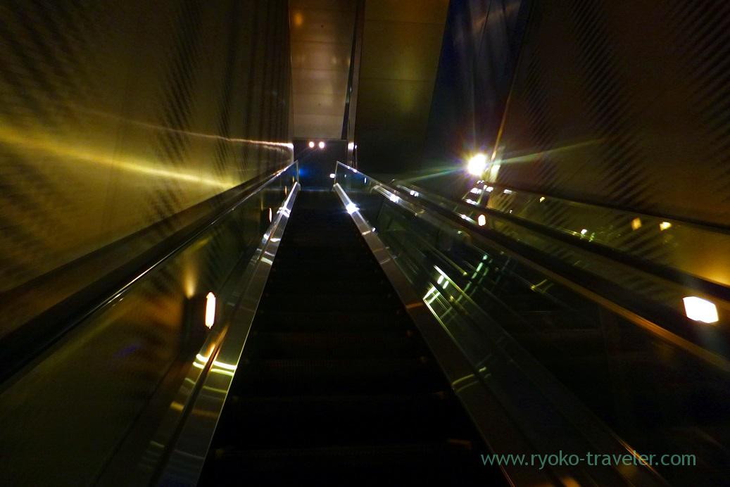 Escalator from 42F to 46F, Midland square sky promnade, Nagoya (Hokuriku&Tokai 2016)