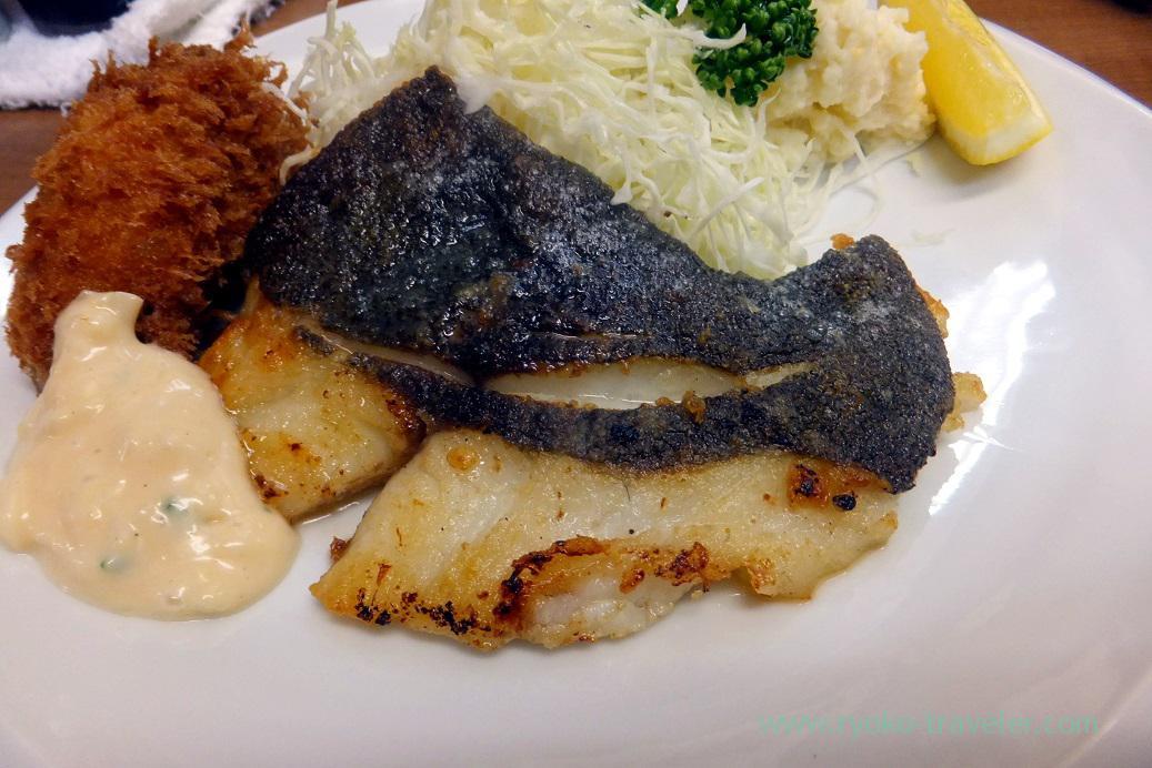 Fried flatfish with butter, Odayasu (Tsukiji Market)