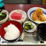 Tsukiji Market : Nutritious breakfast at Yonehana (築地 米花)