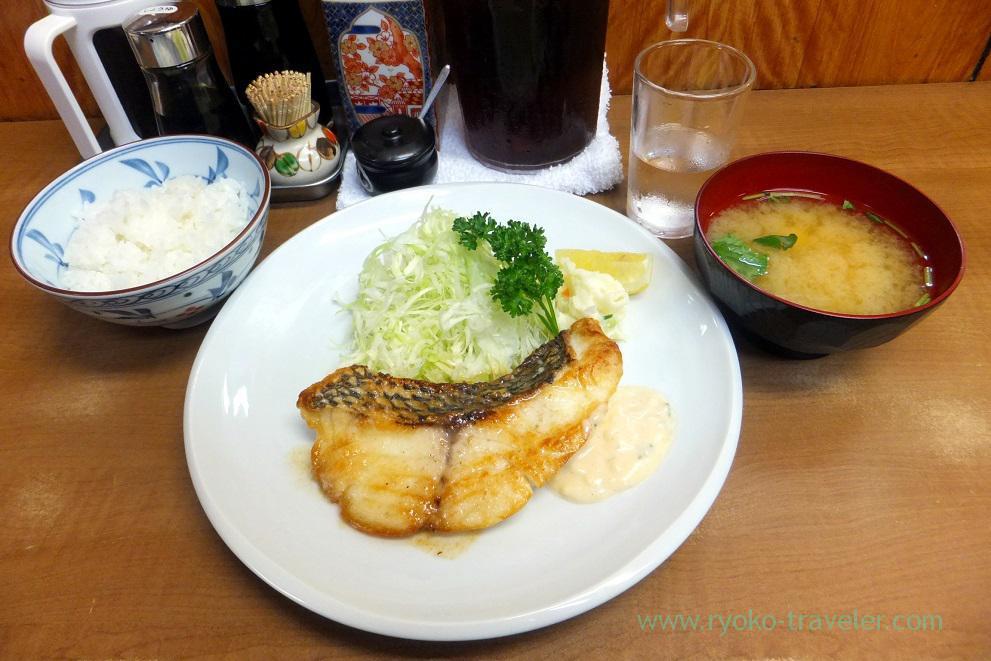 Fried Lethrinus haematopterus and rice, Odayasu (Tsukiji Market),