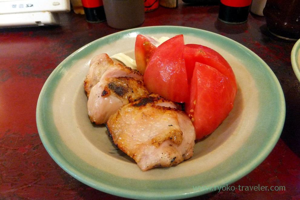 Cold tomato and yakitori, Yonehana (Tsukiji Market)