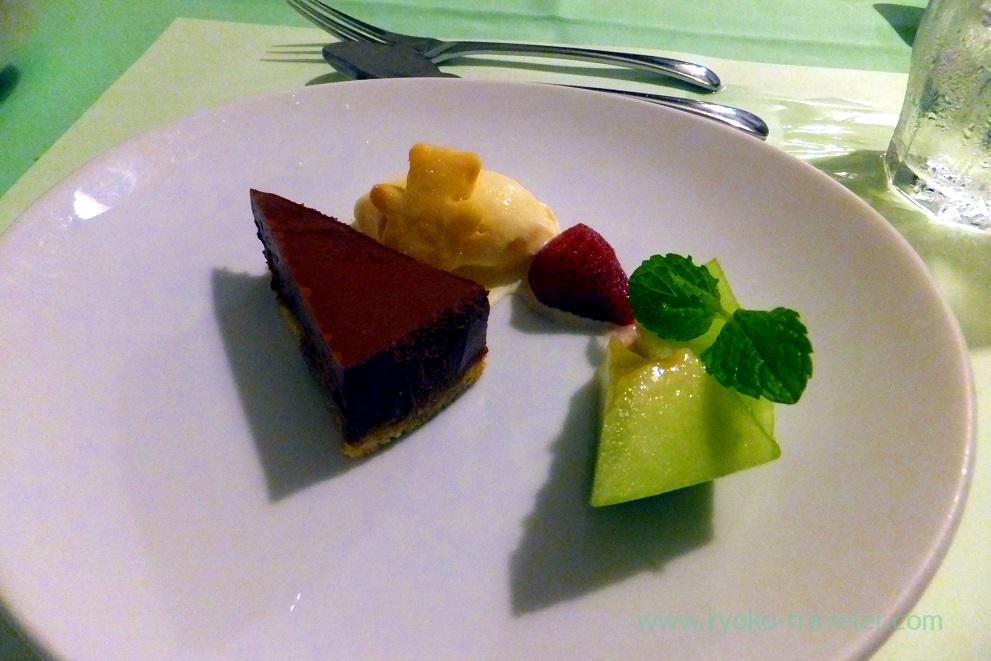 Dessert was chocolate mousse, Persil (Ginza)