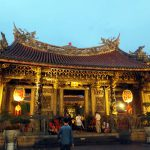Taipei 2016 Spring : Gorgeous illuminated Longshan temple (龍山寺)