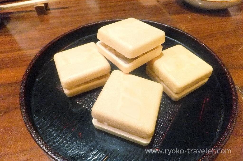 Potato salad with duck meat sandwiched between monaka, Sasuga Rin (Ginza)