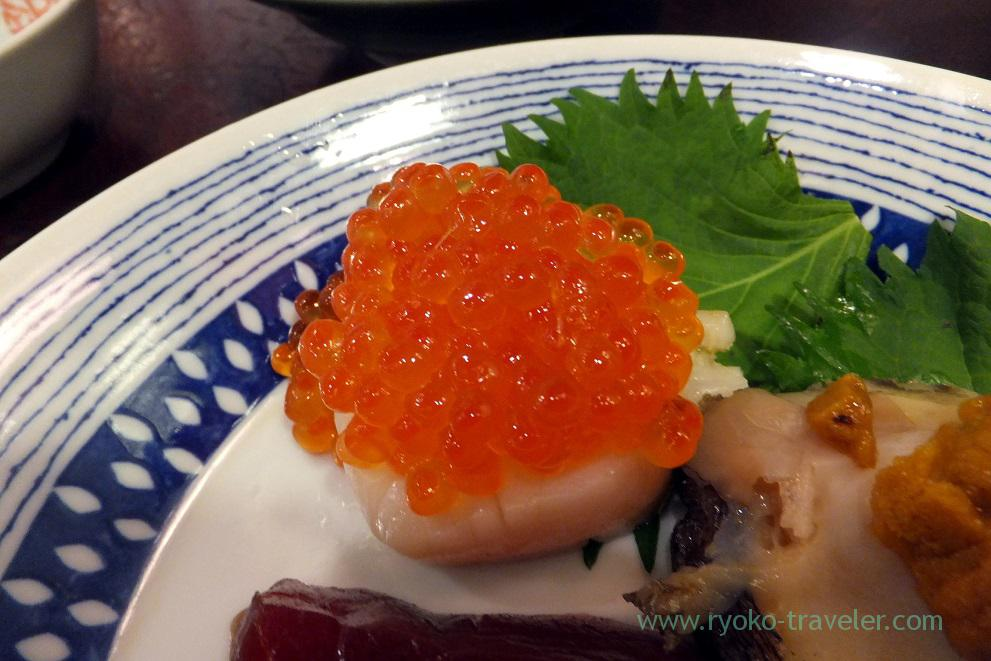 Salmon roe on the shell, Yonehana (Tsukiji Market)