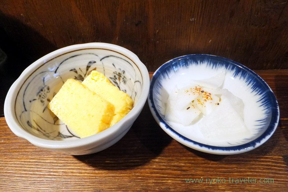 Tamagoyaki and pickled daikon radish, Hajime Sengyo-ten (Tsukiji)