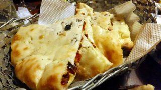 Akihabara : Sweet naan and salted curry at Aarti (アールティ)