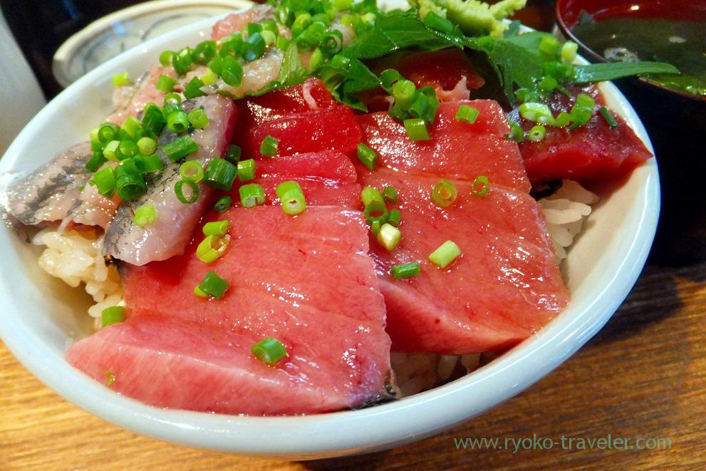Tuna side, Hajime Sengyo-ten (Tsukiji)