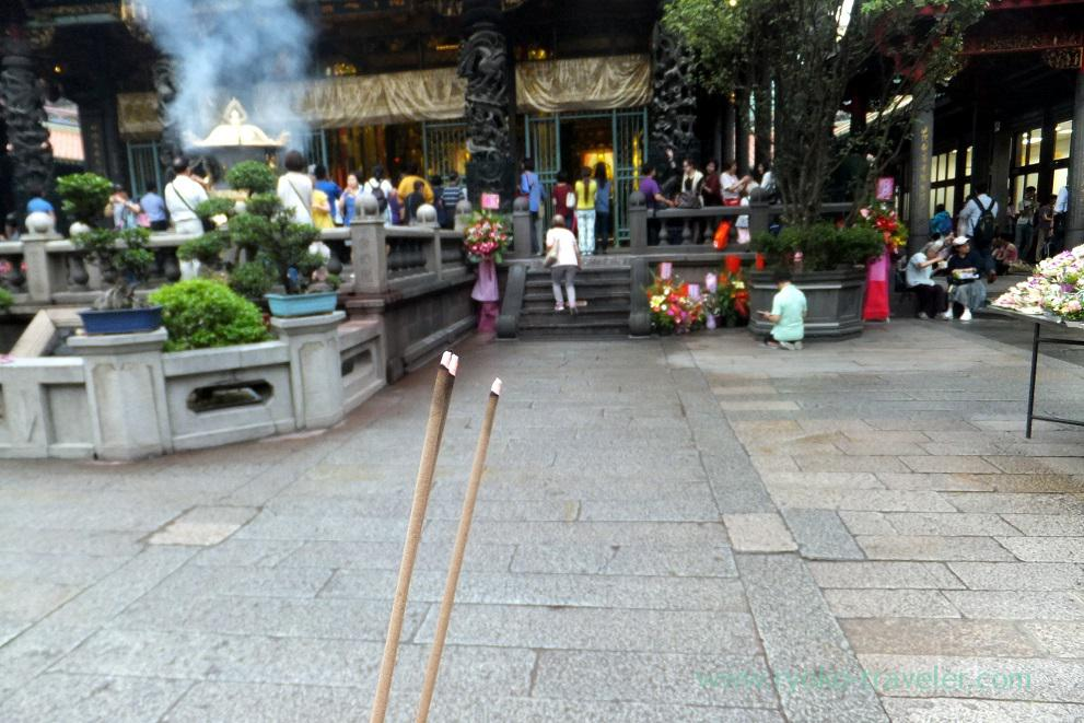 Worship , Longshan temple, Longshan temple (Taipei 201605)