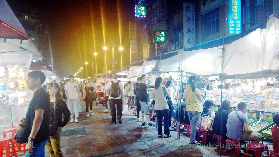 Busy street, Ningxia night market, Shuanglian (Taipei 201605)