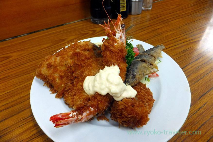 cset-and-deep-fried-sweetfish-tonkatsu-yachiyo-tsukiji-market