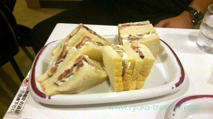 fig-sandwich-fukunaga-fruits-parlor-yotsuya-sanchome