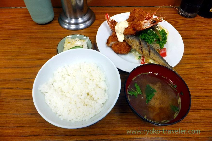 my-breakfast-tonkatsu-yachiyo-tsukiji-market