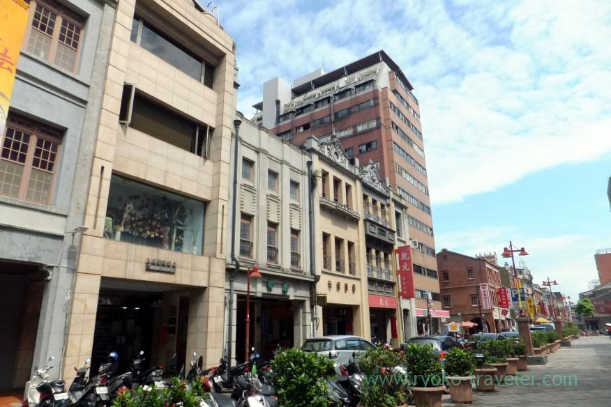on-my-way-to-difua-street3-taipei-201605