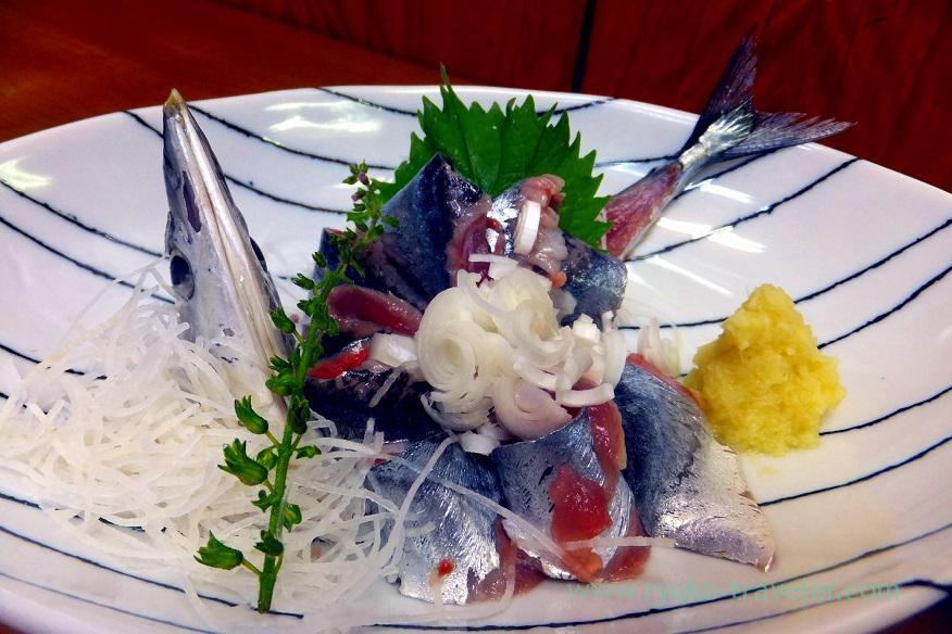 saury-sashimi-odayasu-tsukiji-market