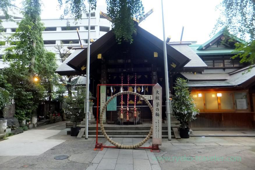 worship-hall-namiyoke-inari-jinja-shrine-tsukiji