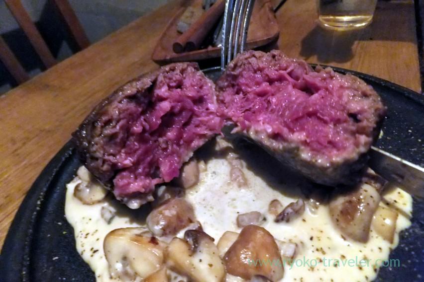 section-of-hamburger-steak-beer-bar-rupurin-ginza