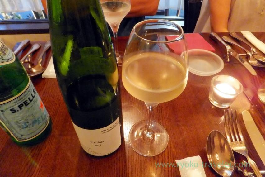 white-wine-il-tram-kiyosumi-shirakawa