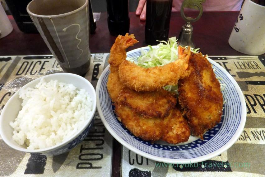deep-fried-shrimp-and-chicken-yonehana-tsukiji-market