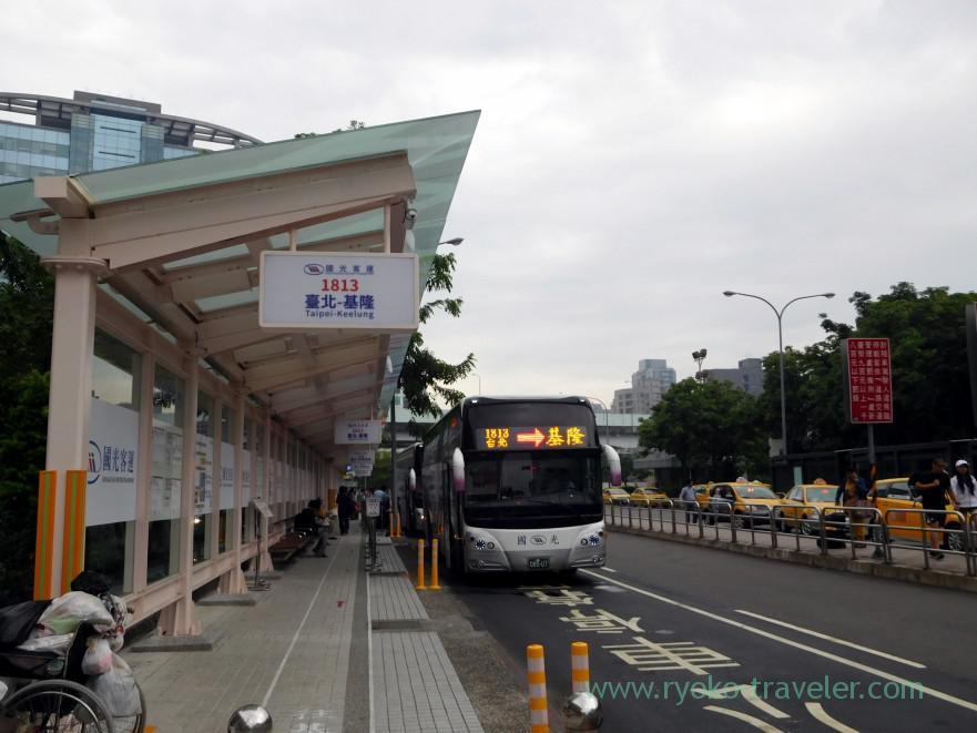 bus-stop-kingbus-bus-terminal-taipei-main-station