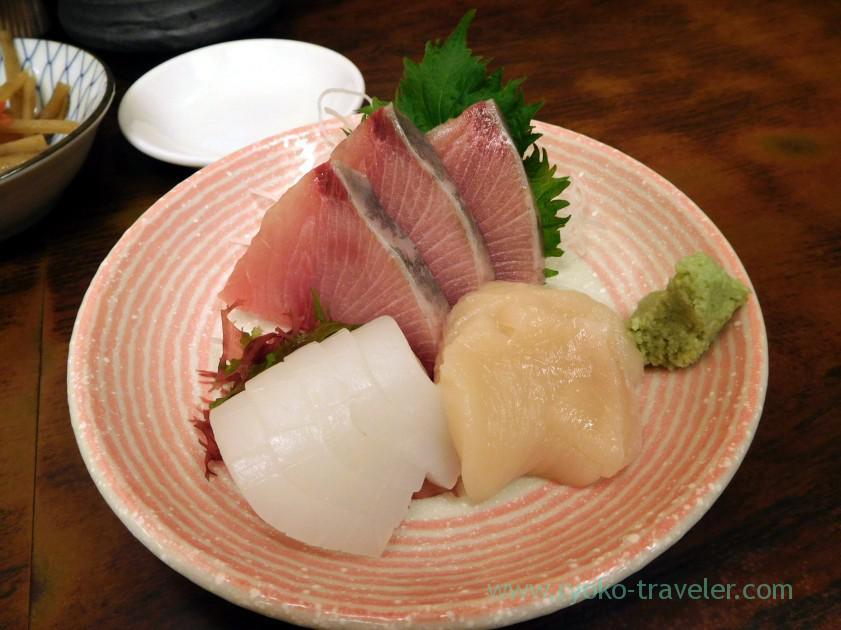 sashimi- yellowtail squid, scallop, Kato Shokudou (Tsukiji Market)