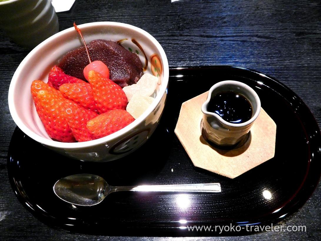 Strawberry anmitsu and syrup, Irie (Monzen-nakacho)