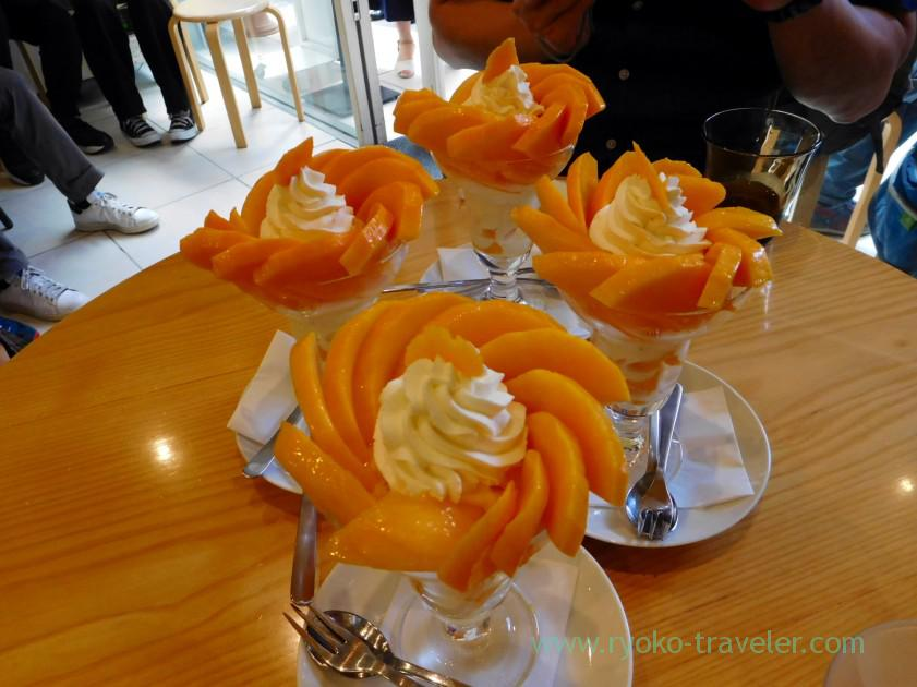 Four mango parfaits, Fruits Parlor Goto (Asakusa)
